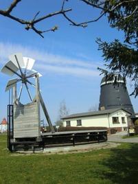 Modell einer Paltrockmühle